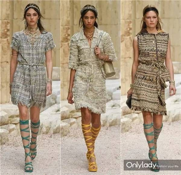 和刘诗诗看Chanel早春大秀!女孩的时髦神话里都得有双罗马系带凉鞋